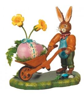 Lapin de Pâques en bois et poussins