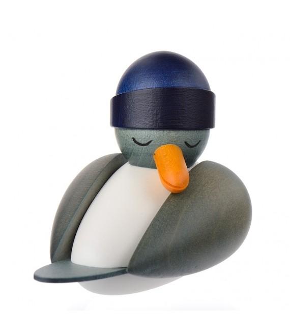 Mouettes marines en bois et un bonnet bleu