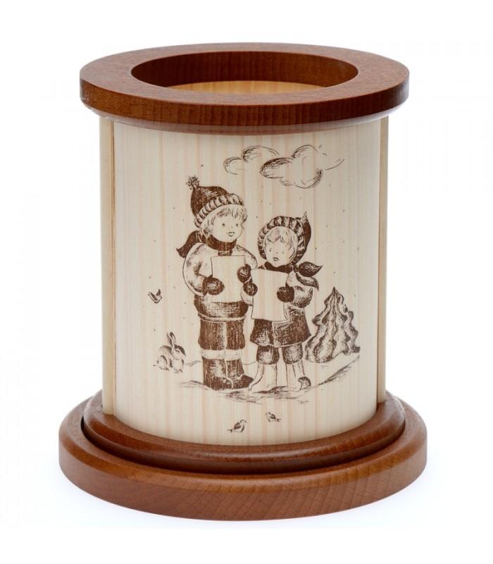 des enfants chantent no l sur ce bougeoir photophore en bois de h tre. Black Bedroom Furniture Sets. Home Design Ideas