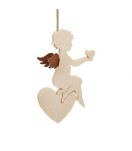 Ange pour sapin en bois d'érable assis sur un grand coeur