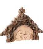 Crèche de Noel taillée dans une écorce de bois, motif étable