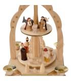 Pyramide avec scène de crèche de Noël complète